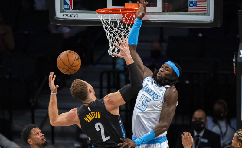 Blake Griffin do Brooklyn Nets Montrezl Harrell do Lakers