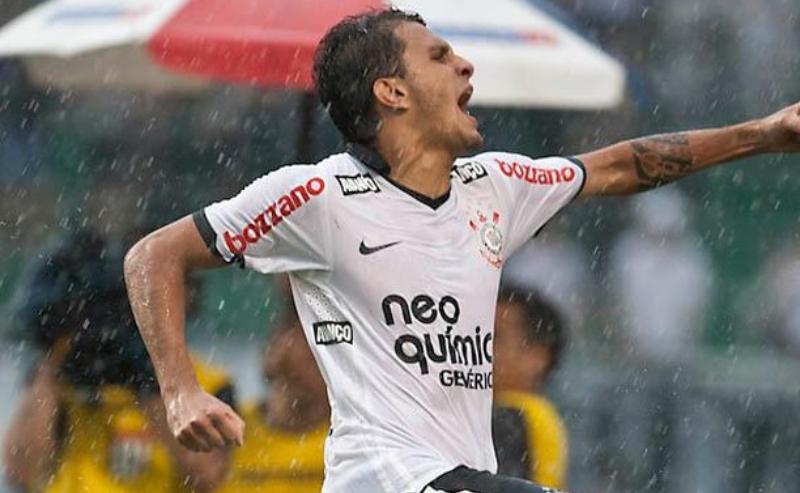 Fabio Santos gol do Corinthians 28-abril-2021