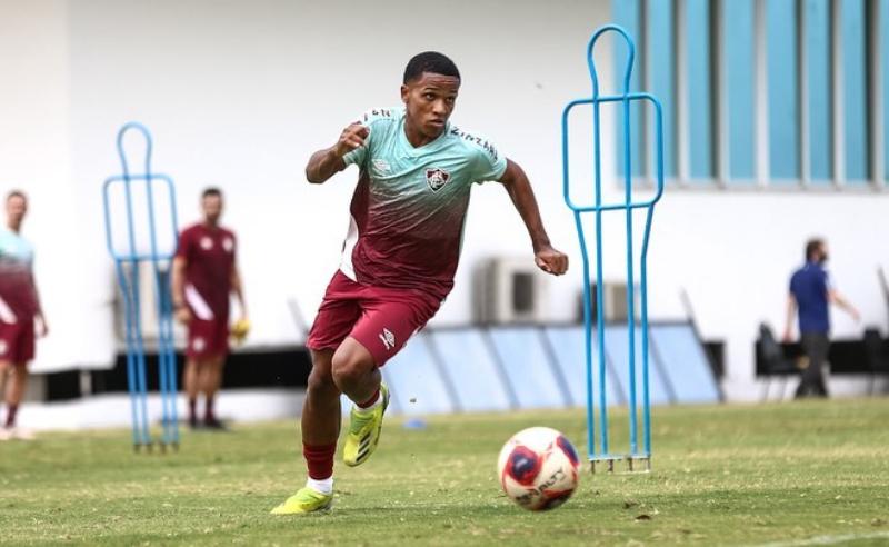 Kayky treina com o Fluminense