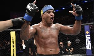 Gilbert Durinho é atleta peso-leve do UFC