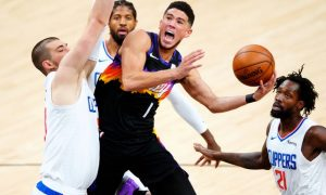 Devin Booker em Phoenix Suns x Los Angeles Clippers na final da Conferência Oeste dos Playoffs 2021 da NBA