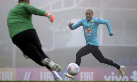 O atacante Neymar no treino da seleção brasileira na Granja Comary durante a Copa América 2021