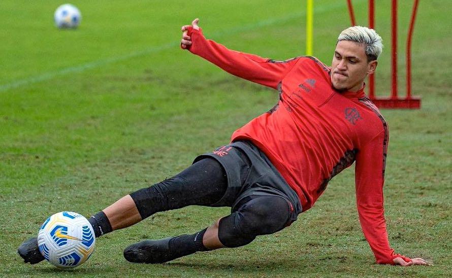Pedro em treinamento no CT do Flamengo no Brasileirão 2021