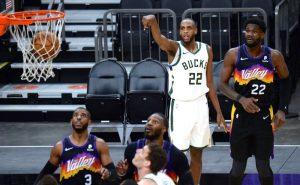 Phoenix Suns x Milwaukee Bucks na temporada regular da NBA 2021; agora as equipes se enfrentam nas finais da liga