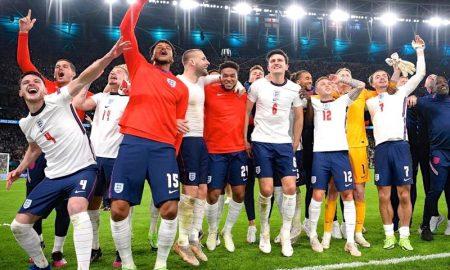 Inglaterra comemora classificação à final da Eurocopa 2021 em Wembley