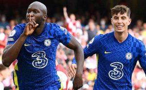 Lukaku comemora seu gol pelo Chelsea no clássico com o Arsenal na Premier League 2021/2022
