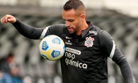 Renato Augusto, meia do Corinthians, treina para sua estreia no Brasileirão 2021