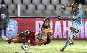 Sánchez, do Santos, no jogo contra o Juazeirense na Copa do Brasil 2021; o Peixe é favorito nas apostas no jogo de volta