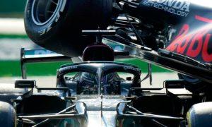 O acidente entre Lewis Hamilton e Max Verstappen no GP da Itália de Fórmula 1 2021