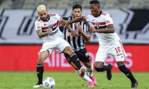 Lance de Atlético-MG x São Paulo no primeiro turno do Brasileirão 2021