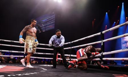 Vitor Belfort nocauteou Evander Holyfield no boxe