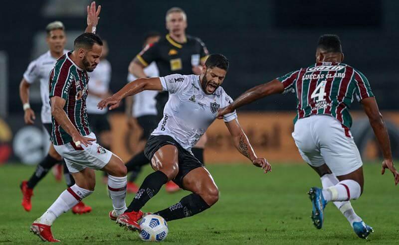 Lance de Fluminense x Atlético-MG, jogo de ida das quartas de final da Copa do Brasil 2021
