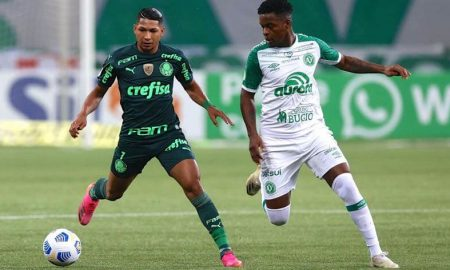 Rony, do Palmeiras, no jogo contra a Chapecoense no primeiro turno do Brasileirão 2021