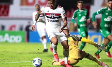 Luciano, do São Paulo, no duelo com a Chapecoense no Brasileirão 2021, no Morumbi