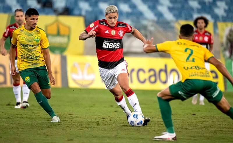 Lance de Cuiabá x Flamengo pelo Brasileirão 2021