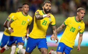 Gabigol comemora a vitória em Venezuela x Brasil pelas Eliminatórias da Copa 2022