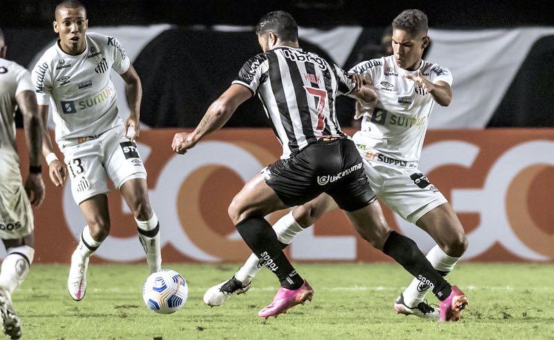 Santos x Atlético-MG no primeiro turno do Brasileirão 2021, na Vila Belmiro